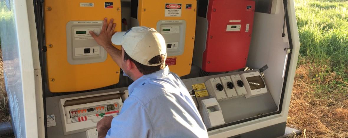 Off grid battery storage unit
